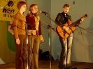 Сёстры Игумновы поют под аккомпанимент К.Рахтовой