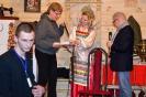 Награждение Нины Турусовой, занявшей второе место в фотоконкурсе